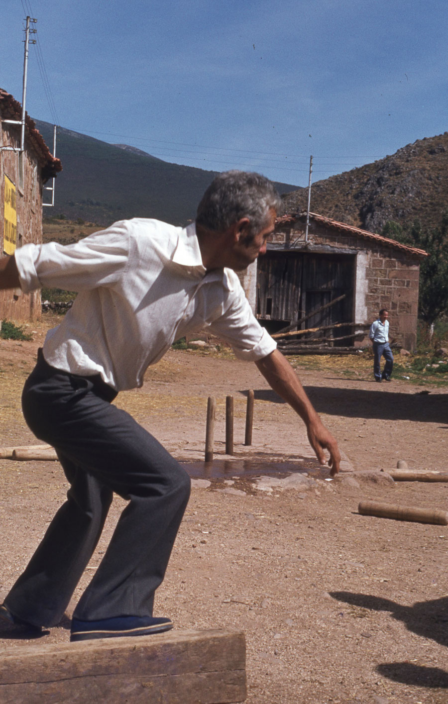 BU_Tinieblas_Juego-de-Bolos_1981_foto-Benito-Arnáiz_003