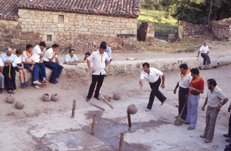 BU_Torrelara_Juego-de-Bolos_Julio-1982_Fiestas-San-Cristóbal_foto-Benito-Arnáiz_002