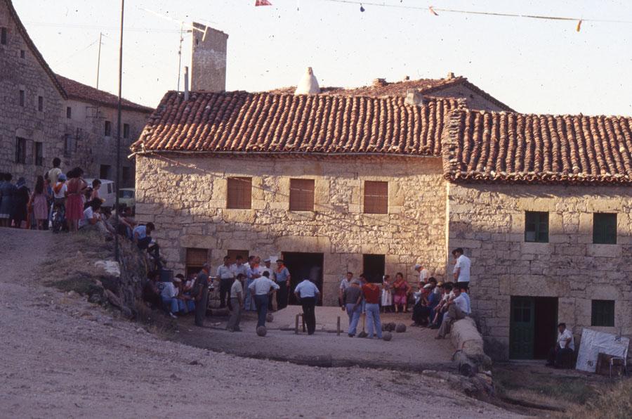 BU_Torrelara_Juego-de-Bolos_Julio-1982_Fiestas-San-Cristóbal_foto-Benito-Arnáiz_006