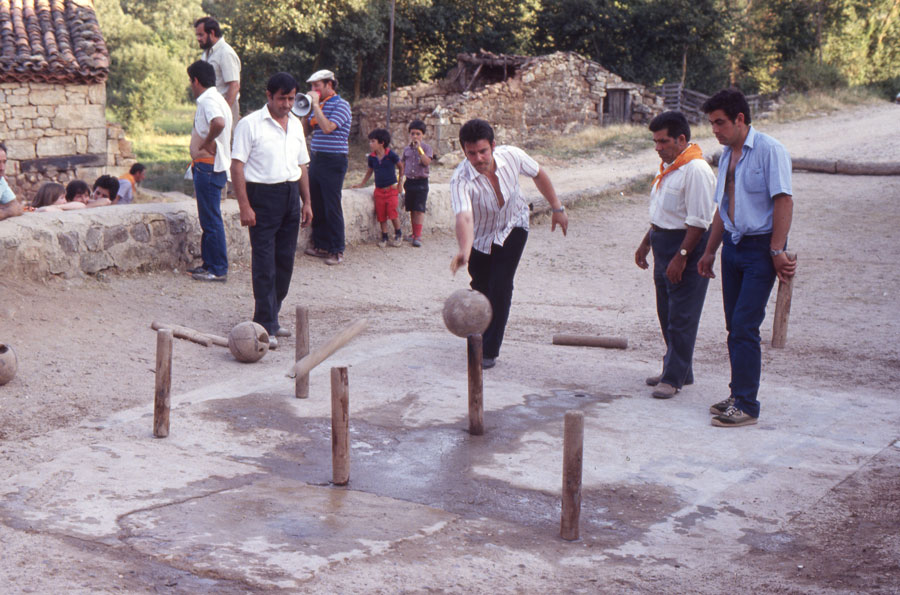 BU_Torrelara_Juego-de-Bolos_Julio-1982_Fiestas-San-Cristóbal_foto-Benito-Arnáiz_008