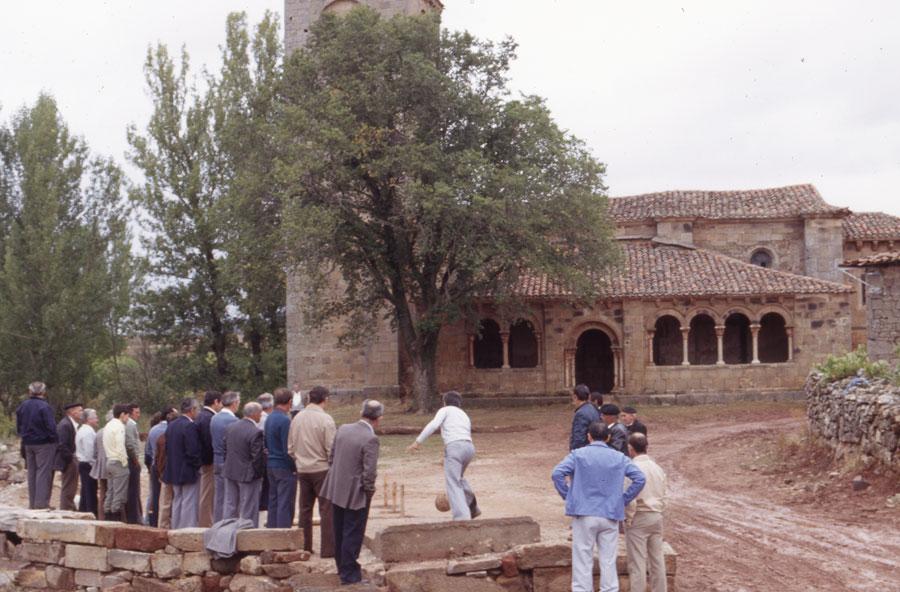 BU_Jaramillo-de-la-Fuente_Juego-de-Bolos_Septiembre1982_foto-Benito-Arnáiz_003