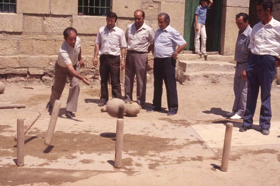 BU_Quintanalara_Juego-de-Bolos_1982_foto-Benito-Arnáiz_004