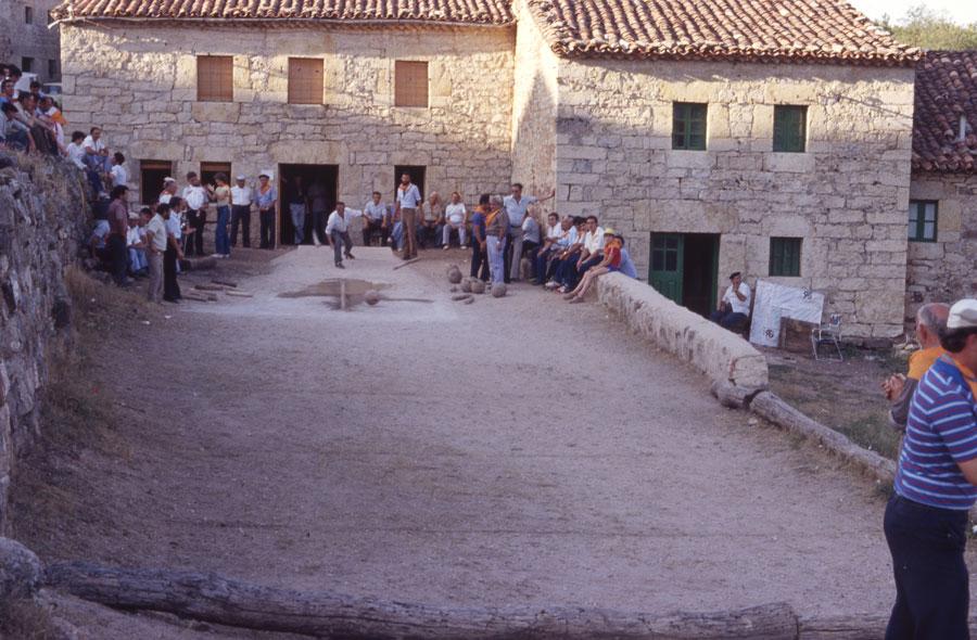 BU_Torrelara_Juego-de-Bolos_Julio-1982_Fiestas-San-Cristóbal_foto-Benito-Arnáiz_001