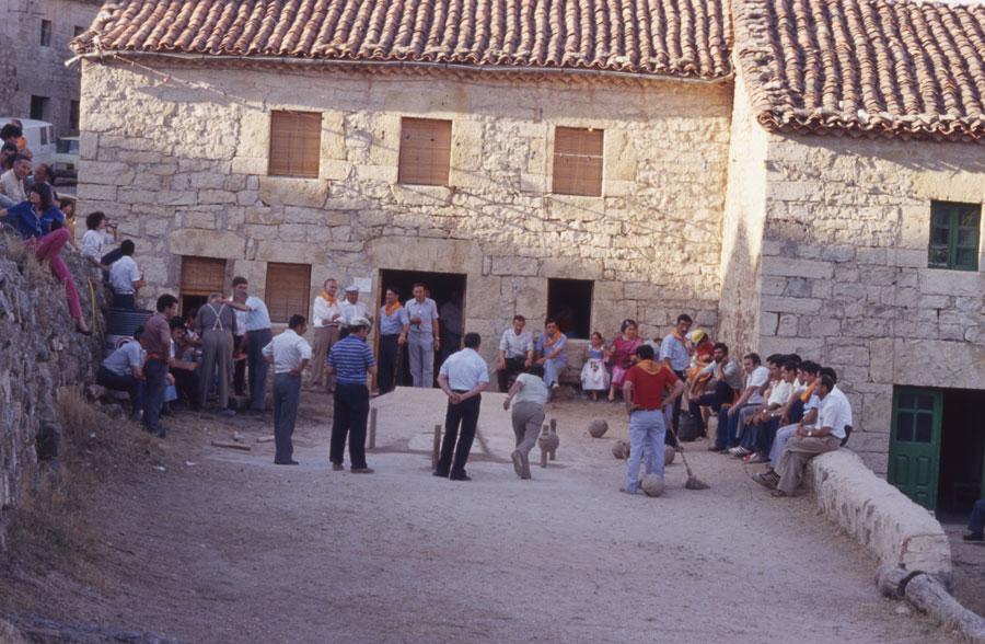 BU_Torrelara_Juego-de-Bolos_Julio-1982_Fiestas-San-Cristóbal_foto-Benito-Arnáiz_003