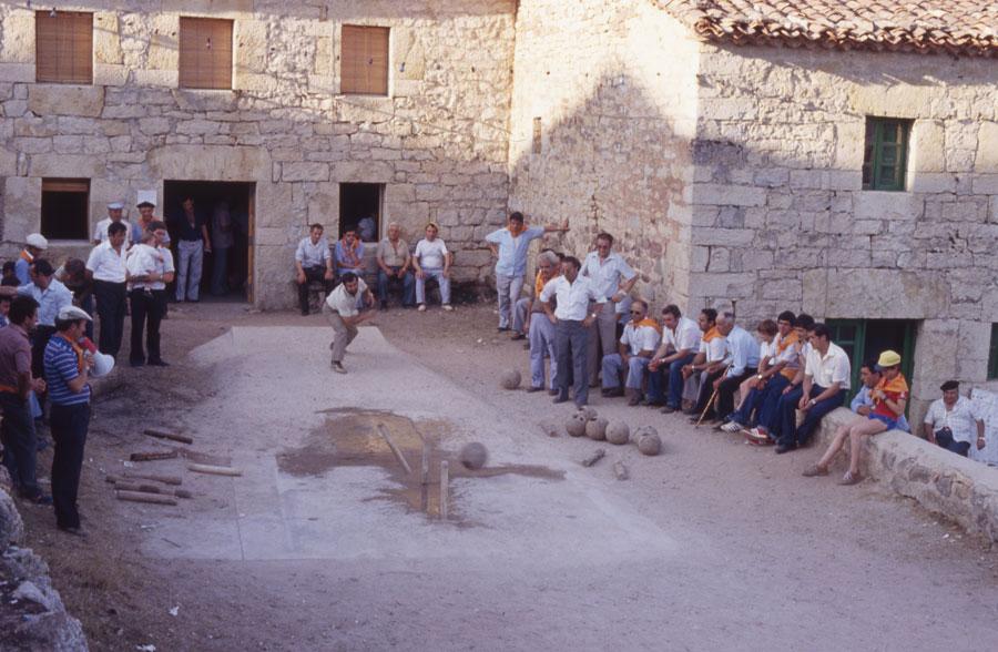 BU_Torrelara_Juego-de-Bolos_Julio-1982_Fiestas-San-Cristóbal_foto-Benito-Arnáiz_004