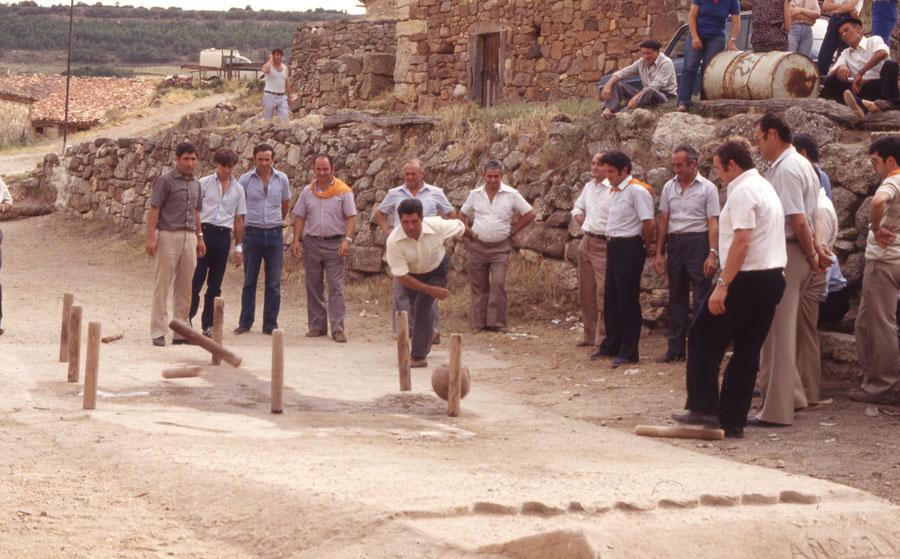 BU_Torrelara_Juego-de-Bolos_Julio-1982_Fiestas-San-Cristóbal_foto-Benito-Arnáiz_005