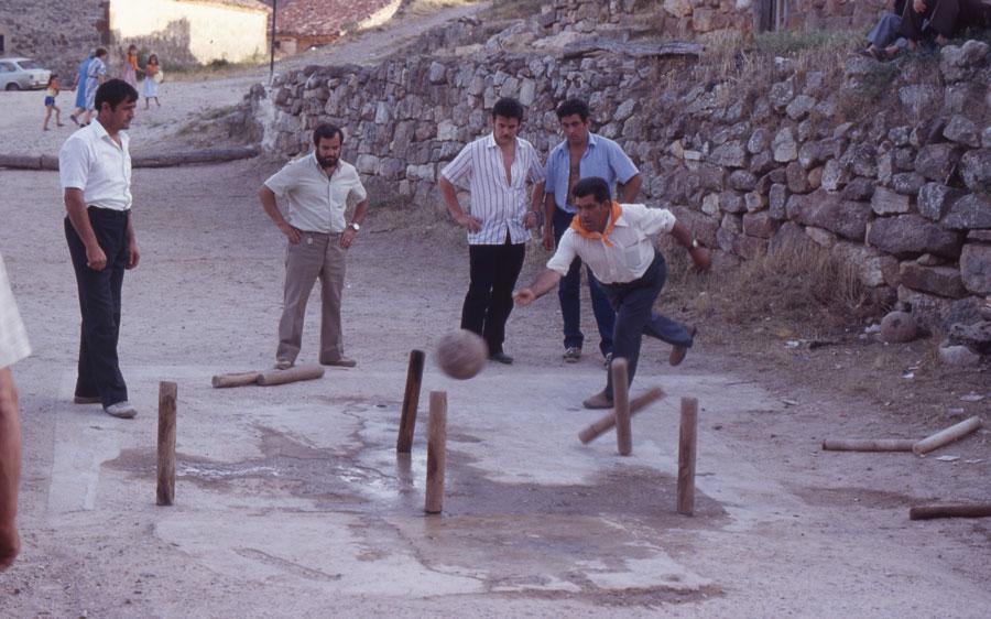 BU_Torrelara_Juego-de-Bolos_Julio-1982_Fiestas-San-Cristóbal_foto-Benito-Arnáiz_007